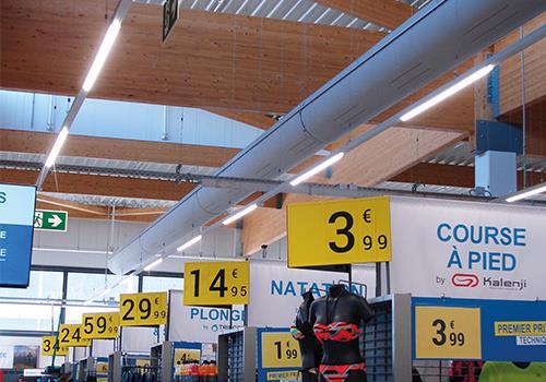 Textielkanaal in winkel van Decathlon